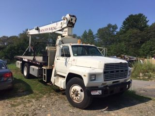 84 Ford F - 800 18 ' Flat Bed National 455 65 ' Sheave Ht 3 Stage Hyd Crane Truck photo