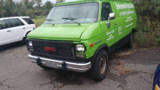 Vandara 3500 Gmc Carpet Cleaning Van With Butler Unit photo