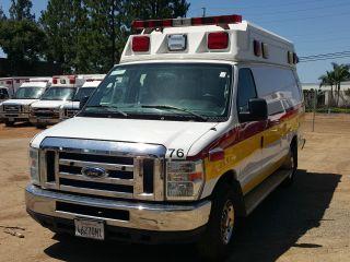 2010 Ford E350 Ambulance photo