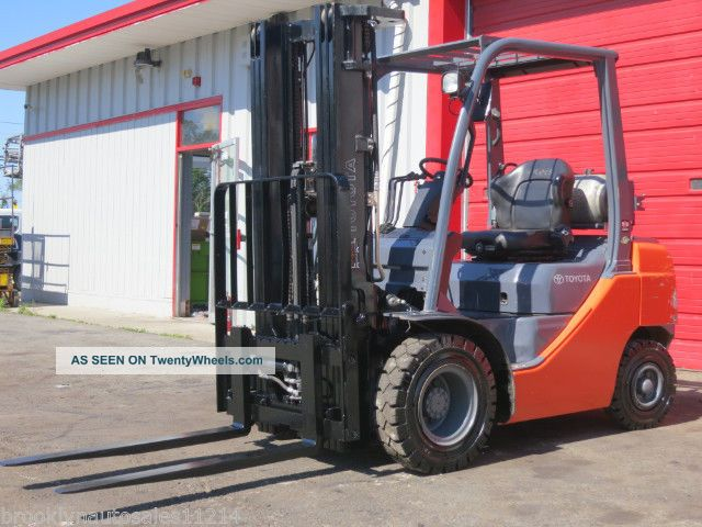 2014 Toyota 8fgu25 Pneumatic Forklift Side Shift 5  000 Lbs Cap 140 Hours Propane