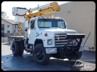 1988 International Aerial Lift Truck photo