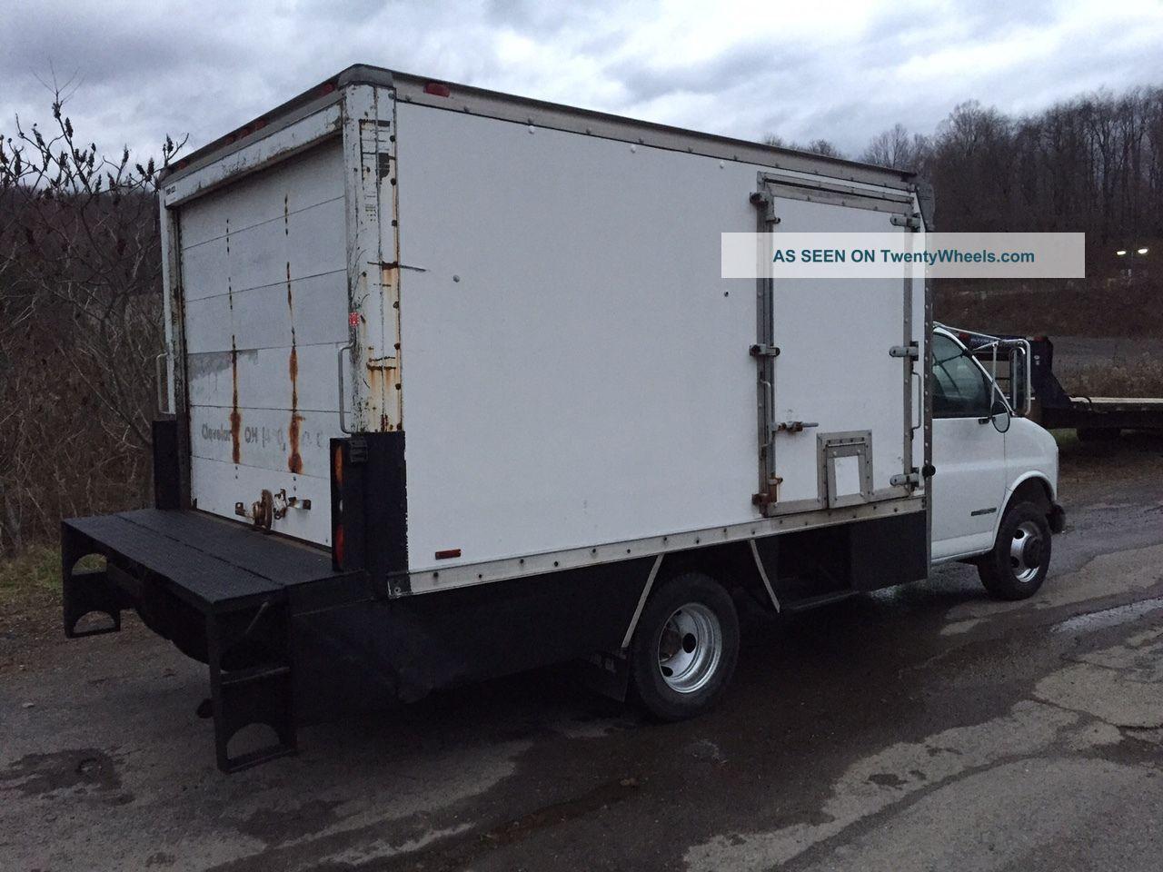 2000 gmc savana 3500 box truck