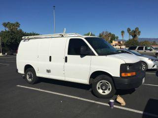 2005 Chevrolet Express Van photo