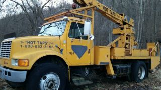 Crane Truck,  10 Ton,  International,  Diesel,  Sturdy Work Truck photo