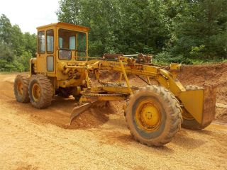 Allis Chalmers M 100 Road Grader photo