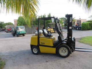 Yale Glpo60 6000lb Forklift Pneumatic Tires Automatic Propane Side Shift 1697 Hr photo