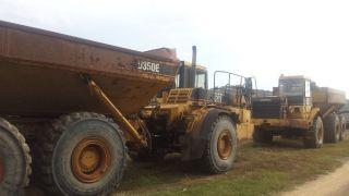 Caterpillar D350e Truck photo