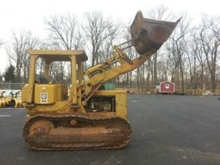 Caterpillar Track Loader 951c,  Automatic Transmission,  Runs & Operates Well photo