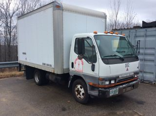2000 Mitsubishi Fe639 Box Truck photo