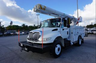 2010 International 4300 / Axxforce Dt466 Hybrid photo