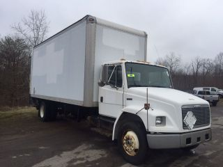 2002 Freightliner Fl70 photo