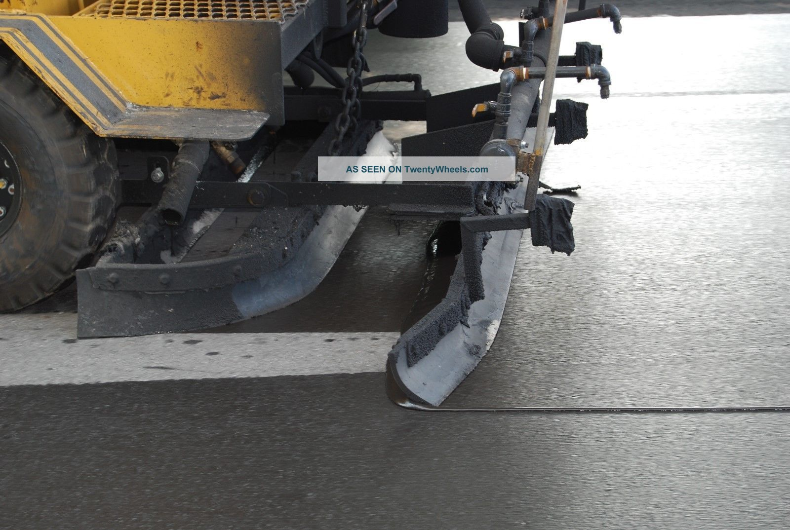 sealcoating squeegee machine