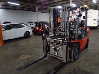 8000 Lbs Forklift Nissan Engine photo