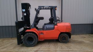 2007 Toyota 7fgau50 10000 Dual Pneumatic Low Hour Forklift Lift Truck photo