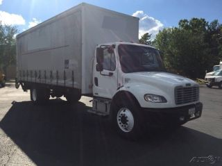 2009 Freightliner Business Class M2 106 photo