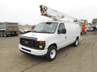 2008 Ford E350 Bucket Van Truck photo