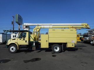 2007 International 4300 60 ' Bucket Boom Chipper Dump Truck photo