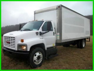 2006 Gmc C7500 Duramax Diesel 24 Ft Box Truck photo