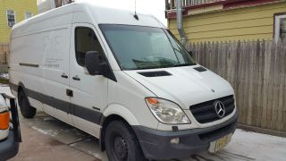 2008 Mercedes - Benz Sprinter 2500 photo