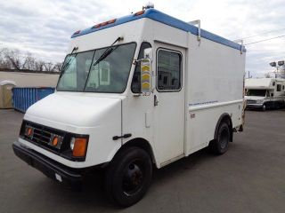 2004 Workhorse Step Van photo