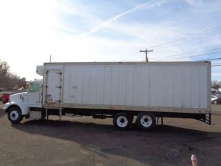 2004 Peterbilt 330 Tandem Axle 30 ' Reefer Box Truck photo