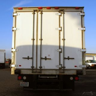 2008 Freightliner M2 106 photo