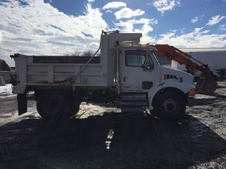 2009 Sterling Dump photo