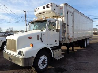 2004 Peterbilt 330 Thermo King 30 ' Reefer Box Truck photo