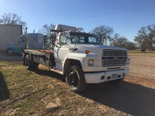 1994 Ford F700 photo