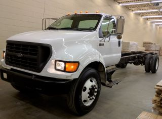 2003 Ford F650 photo