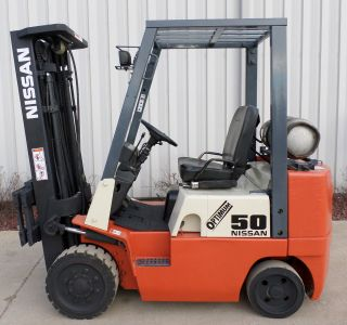 Nissan Model Cpj02a25v (2002) 5000lbs Capacity Great Lpg Cushion Tire Forklift photo