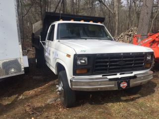 1984 Ford F 350 photo