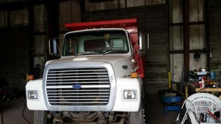 1987 Ford L8000 photo