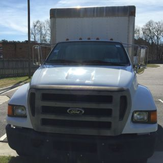 2005 Ford F650 photo