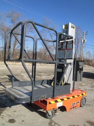 Jlg 12sp Stock Picker,  Personnel Manlift,  Aerial Lift Scissor Lift,  Compact photo