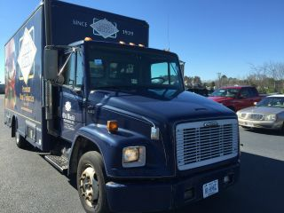 2000 Freightliner Fl60 photo