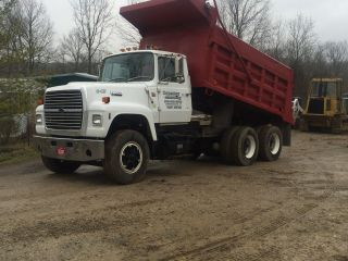 1990 Ford L8000 photo
