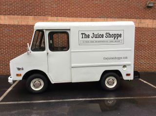 1980 Gmc P10 Step Van photo