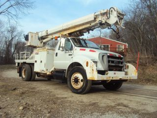 2004 Ford F750 photo