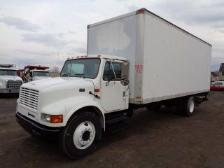 2000 International 4700 24 ' Box Truck photo