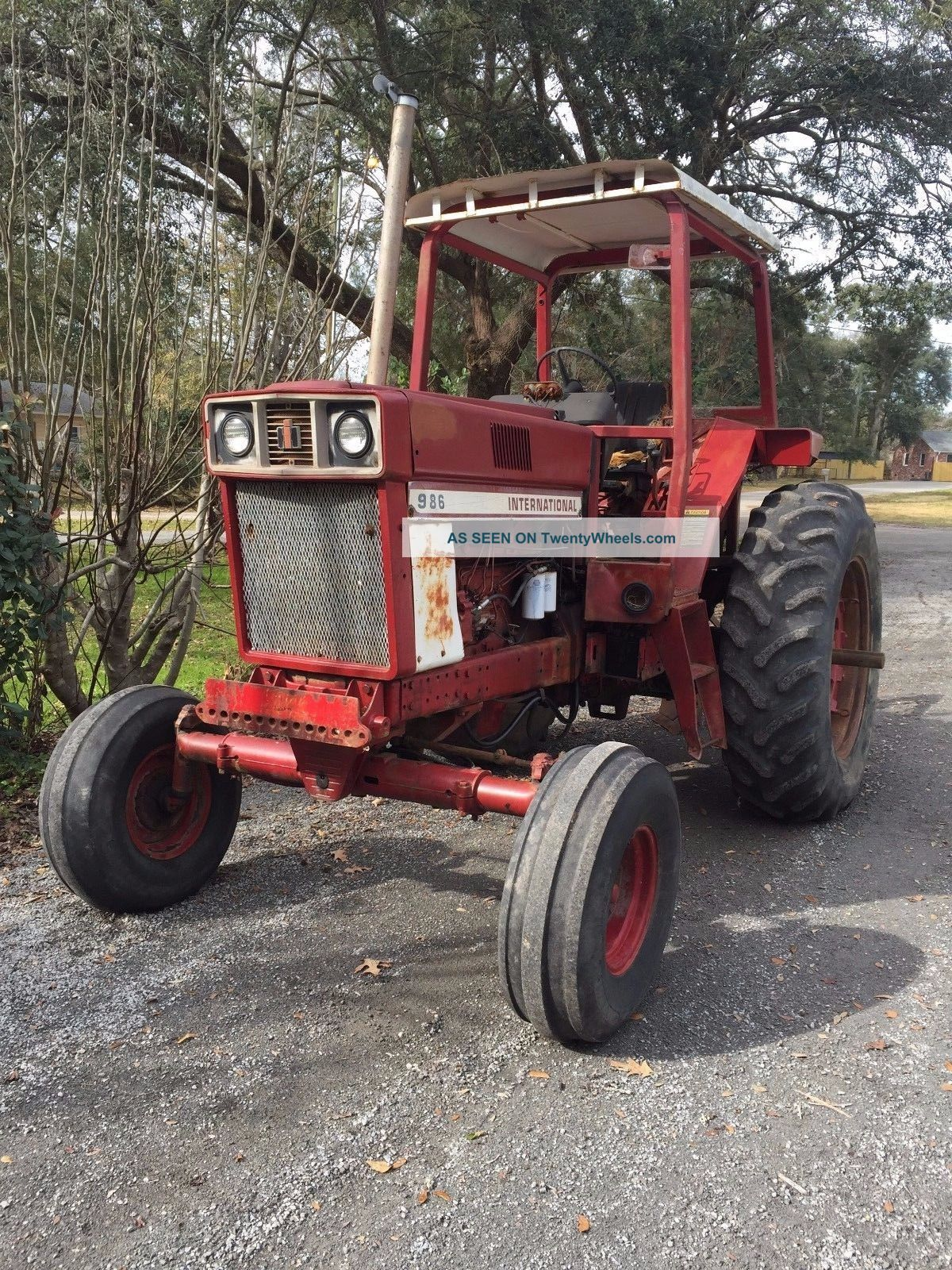 International Harvester 986 Tractor : International harvester farm tractor