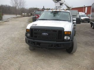 2008 Ford F450 6.  8 Auto Altec At200n 35.  6