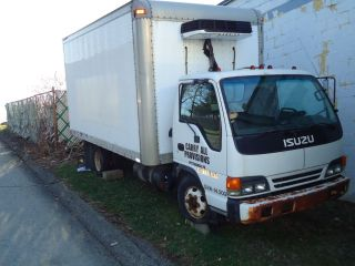 2000 Isuzu Npr photo