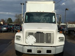1997 Freightliner Fl70 photo