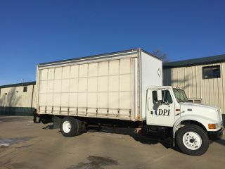 2000 International 4900 Chassis With Whiting Curtain Side Box photo