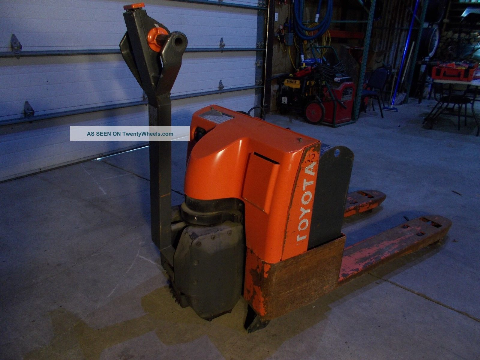 Toyota Electric Pallet Truck Fork Lift Personal Skid Jack