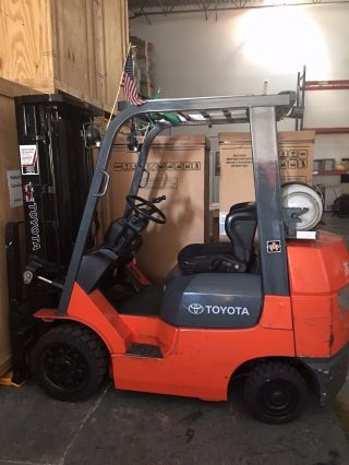 2005 Toyota Forklift - Model :7fgcu25 - Serial : 90050 - Only 4k Hours photo