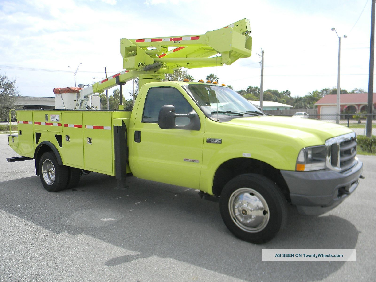 2004 Ford F550 Duty Bucket / Boom Trucks photo