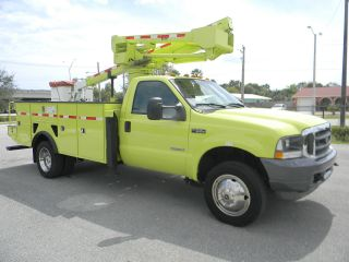 2004 Ford F550 Duty photo
