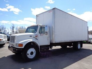 1999 International 4700 24 ' Box Truck photo